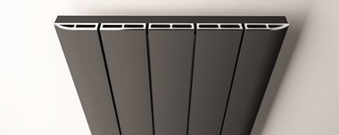 Afdekset radiator 66cm breed chroom - Peretti Eastbrook